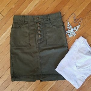 NEW Banana Republic Green Utility Skirt